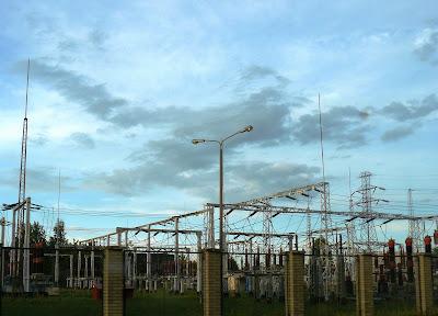 Stalowa wieża elektryczna, rozdzielnia prądu