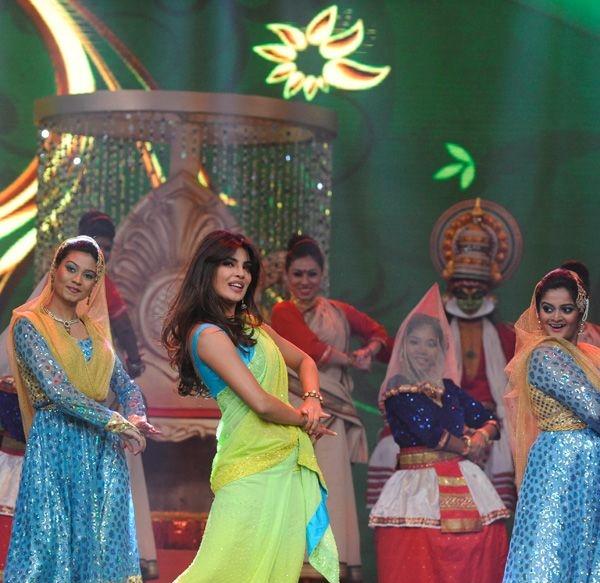 Priyanka Chopra shows her latkas and jhatkas at the Pond's Femina Miss India 2013 contest, held at Yash Raj Studios, in Mumbai, on March 24, 2013.