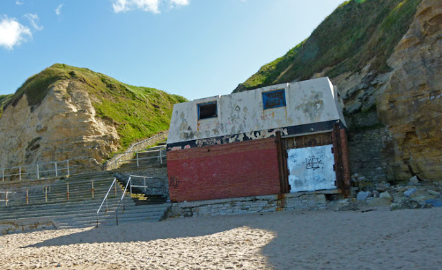Lifeguard hut, Marsden Bay, Tyne and Wear
