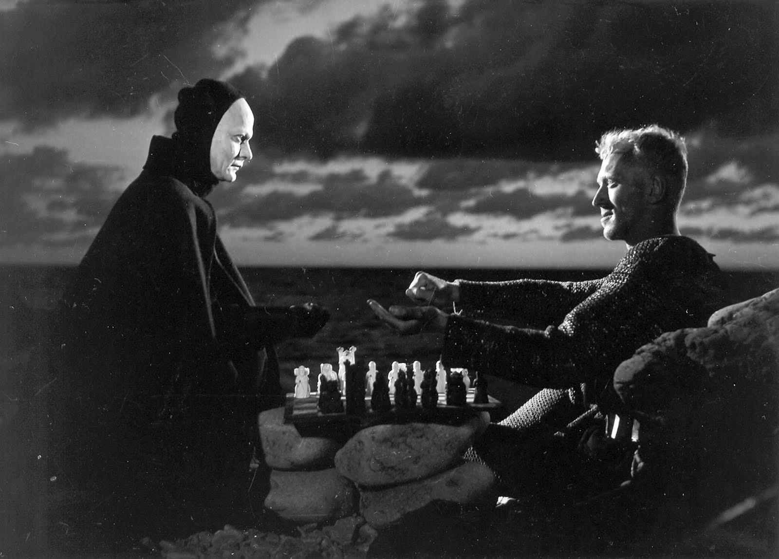 a muerte jugando al ajedrez con el caballero, fotograma de la película de 1957 El Séptimo Sello, de Ingmar Bergman. A la derecha, Max von Sidow como el caballero