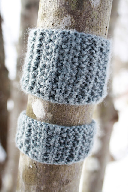 Knitted Bracelets Free Patterns : Simple Things Notebook: A Pattern for You: Knit Bracelet or Cuff