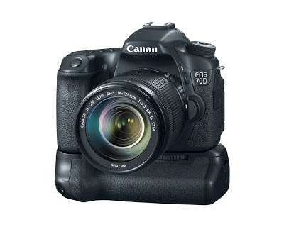 Canon EOS 70D - 18-135mm IS STM lens - BG-E14 Battery Grip