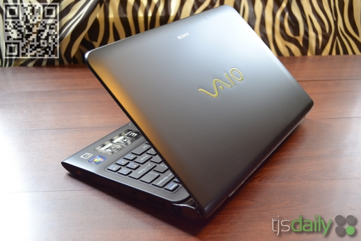sony vaio e series 11 back