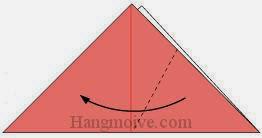 Bước 2: Gấp chéo tờ giấy theo chiều từ phải sang trái.