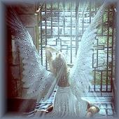 E sonhou: e eis uma escada posta na terra, cujo topo tocava nos céus; e eis que os anjos de Deus