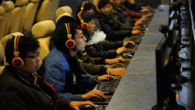 Seorang Pria China Minta Dipenjara untuk Atasi Kecanduan Internet Akut