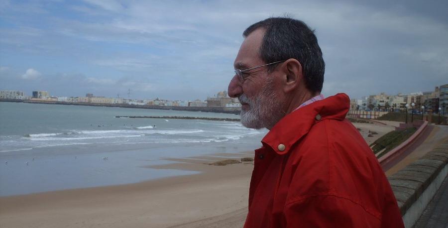 Un barojiano en la playa de Santa María del Mar, Cádiz