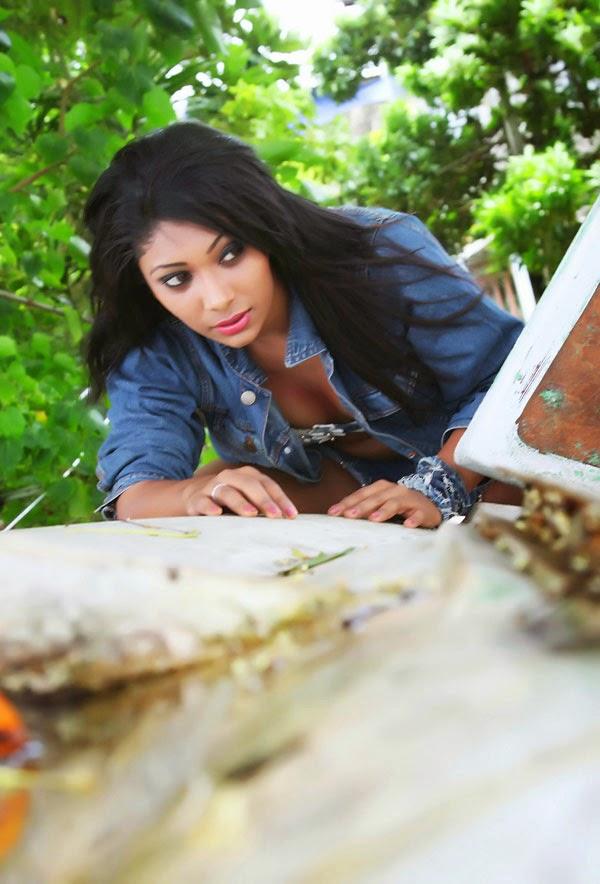 Sri Lankan Hot Model