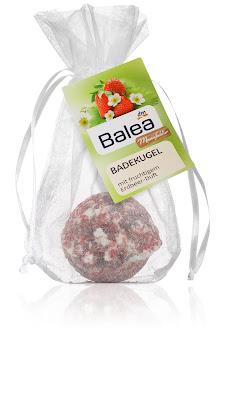 Badekugel mit fruchtigem Erdbeer-Duft