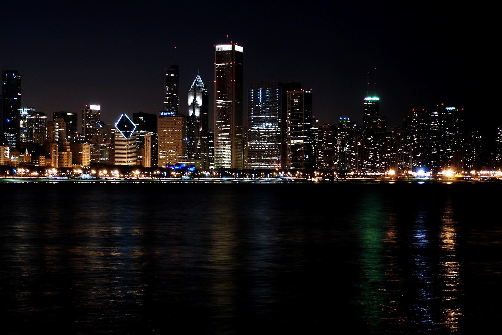 http://2.bp.blogspot.com/-QMl6lb7dD0M/T1w1P7c_pZI/AAAAAAAAEpo/7IyY0h2AfL4/s1600/Chicago+Skyline+Hd+Wallpaper+(3).jpg