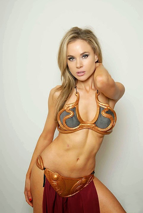 Slave Leia (Princess of Alderaan) - Cosplay