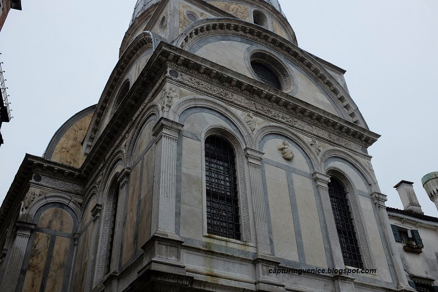 Exterior of the Miracoli church, Venice, capturingvenice.blogspot.com