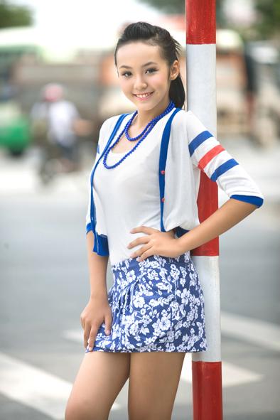 Foto Cantik Le Hoang Bao Tran Pakai Rok Mini Diposkan Oleh Foto Gambar