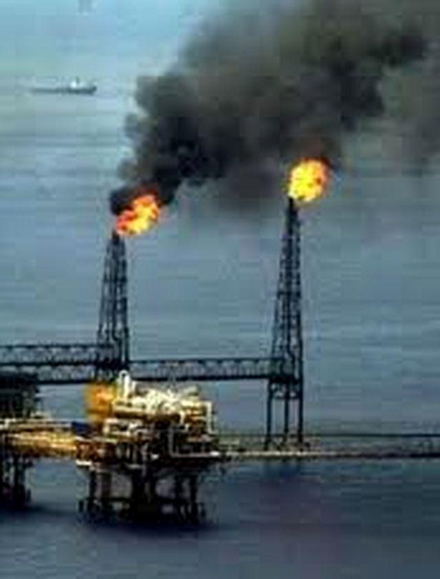 Resultado de imagen de Combustión del petróleo y contaminación