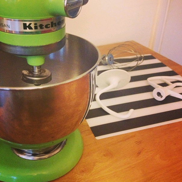 The Battle Of The Stand Mixers Sage Vs Kitchenaid Nelly