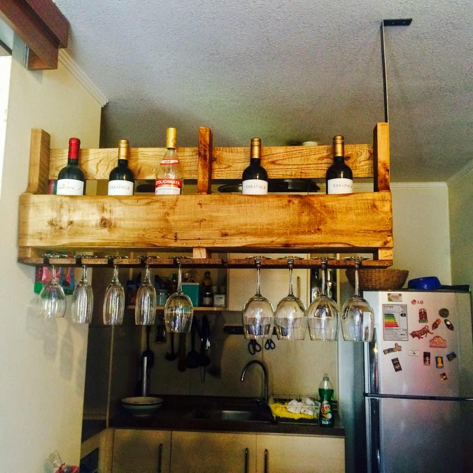 Botellero suspendido realizado con un for Muebles de cocina vibbo