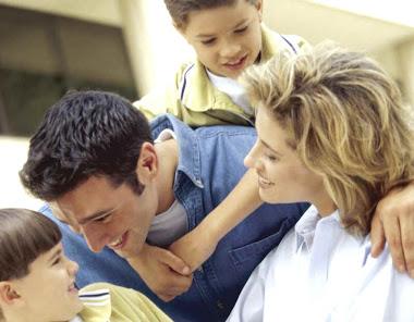 TRABAJANDO COMO FAMILIA