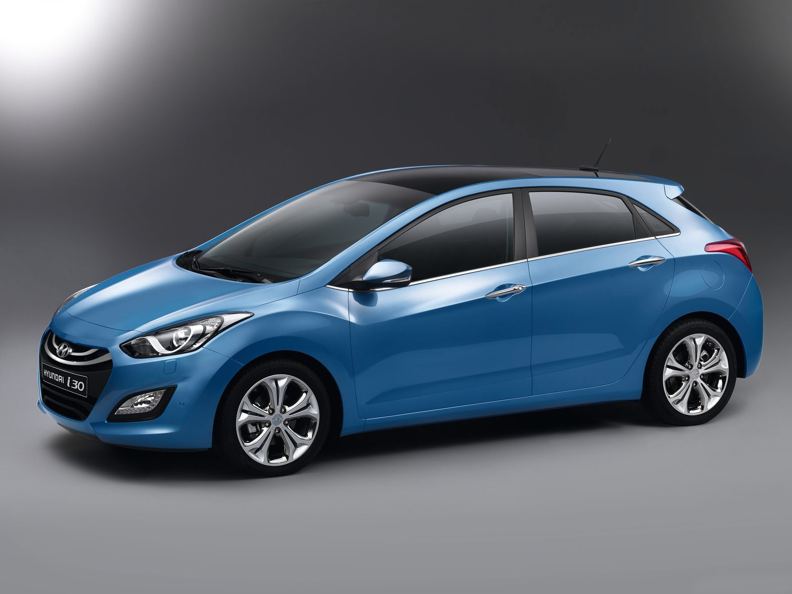 http://2.bp.blogspot.com/-QNfS5vdNZTg/TtccUV8iGRI/AAAAAAAAE9E/Dq9HY6VmGVA/s1600/2013_Hyundai-i30_car-desktop-wallpaper_4.jpg