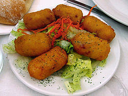 Croquettes_with_salad_photo_by_deramaenrama_at_Flickr
