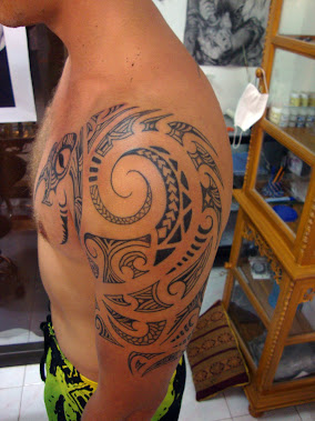 Maori shoulder tattoo thailand