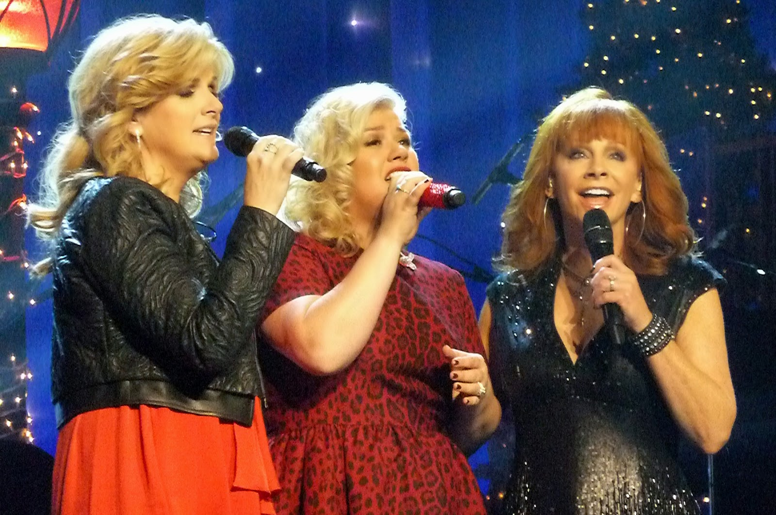 That\'s So Abby: Kelly Clarkson & Friends Bring a Christmas Miracle ...