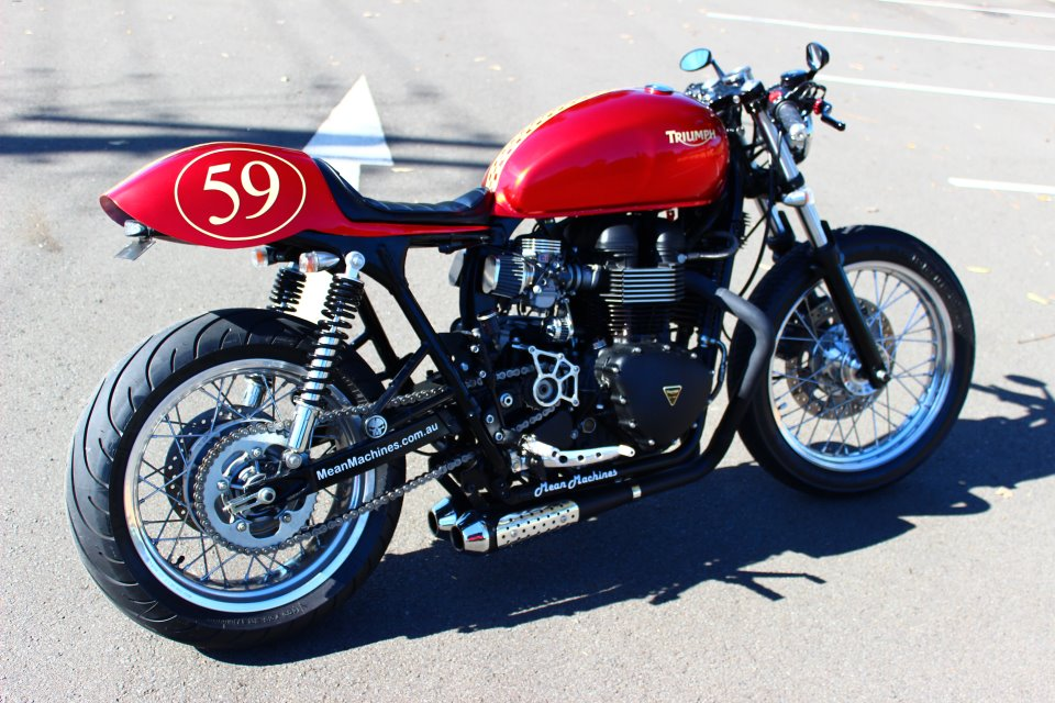 Fabuleux Red Baron Triumph Bonneville Cafe Racer | Return of the Cafe Racers VH45