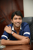 Allari Naresh stylish photos-thumbnail-15