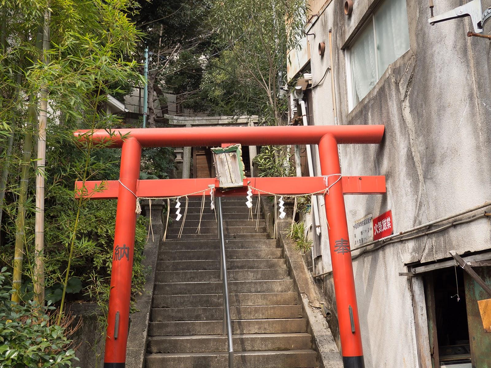 龍山稲荷神社