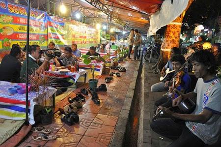 Banyak musisi jalanan ditemui di Jalan Malioboro