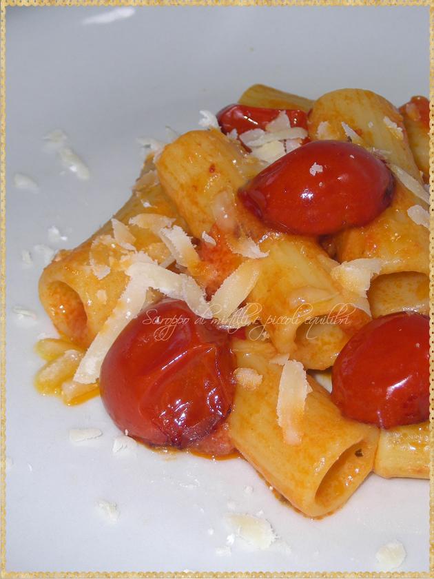 Pasta con pomodorini e provolone di Formia