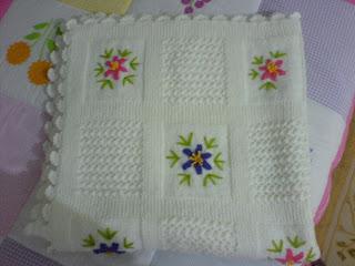 işlemeli bebek battaniyesi