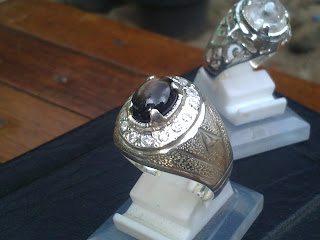 natural Black safir
