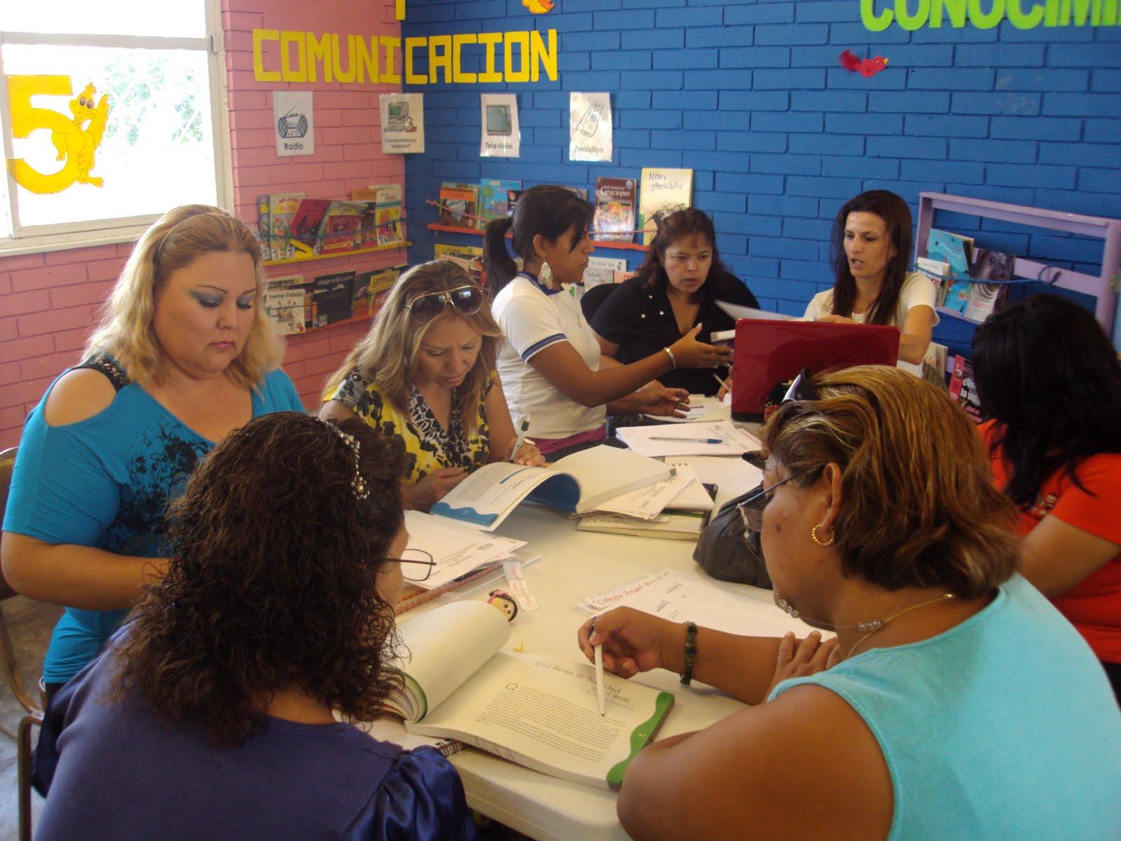Formas De Carteles Por El Dia De La Educacion Inicial | apexwallpapers