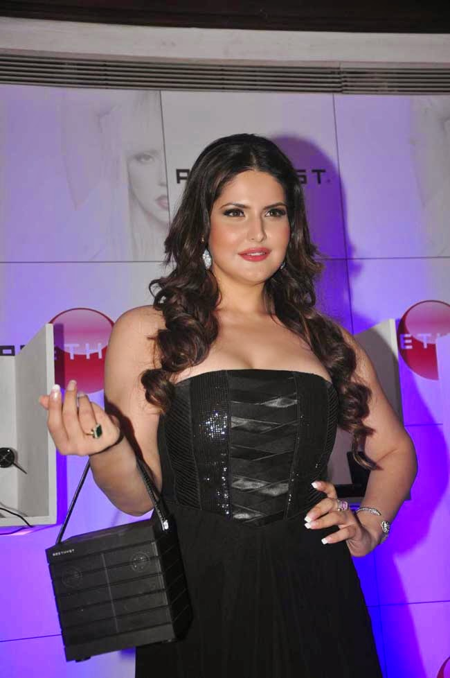 Zarine Khan At Amethyst Bluetooth Speakers Launch