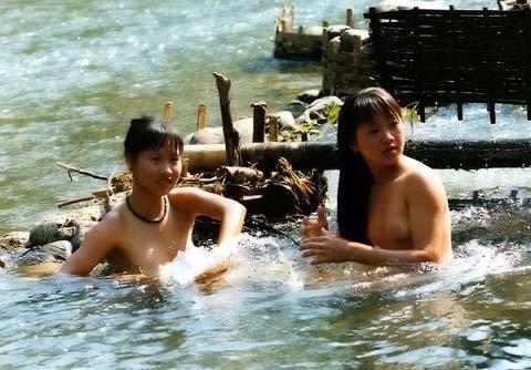 anh nong tam tien cua gai dep son cuoc lam sot cong dong mang