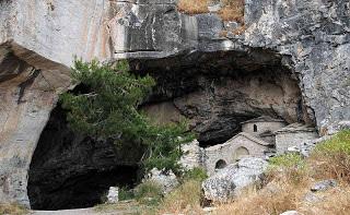 Παράξενα φαινόμενα σε σπήλαια της Ελλάδας.