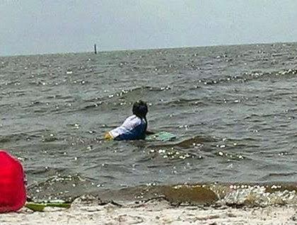 beach surfing 2