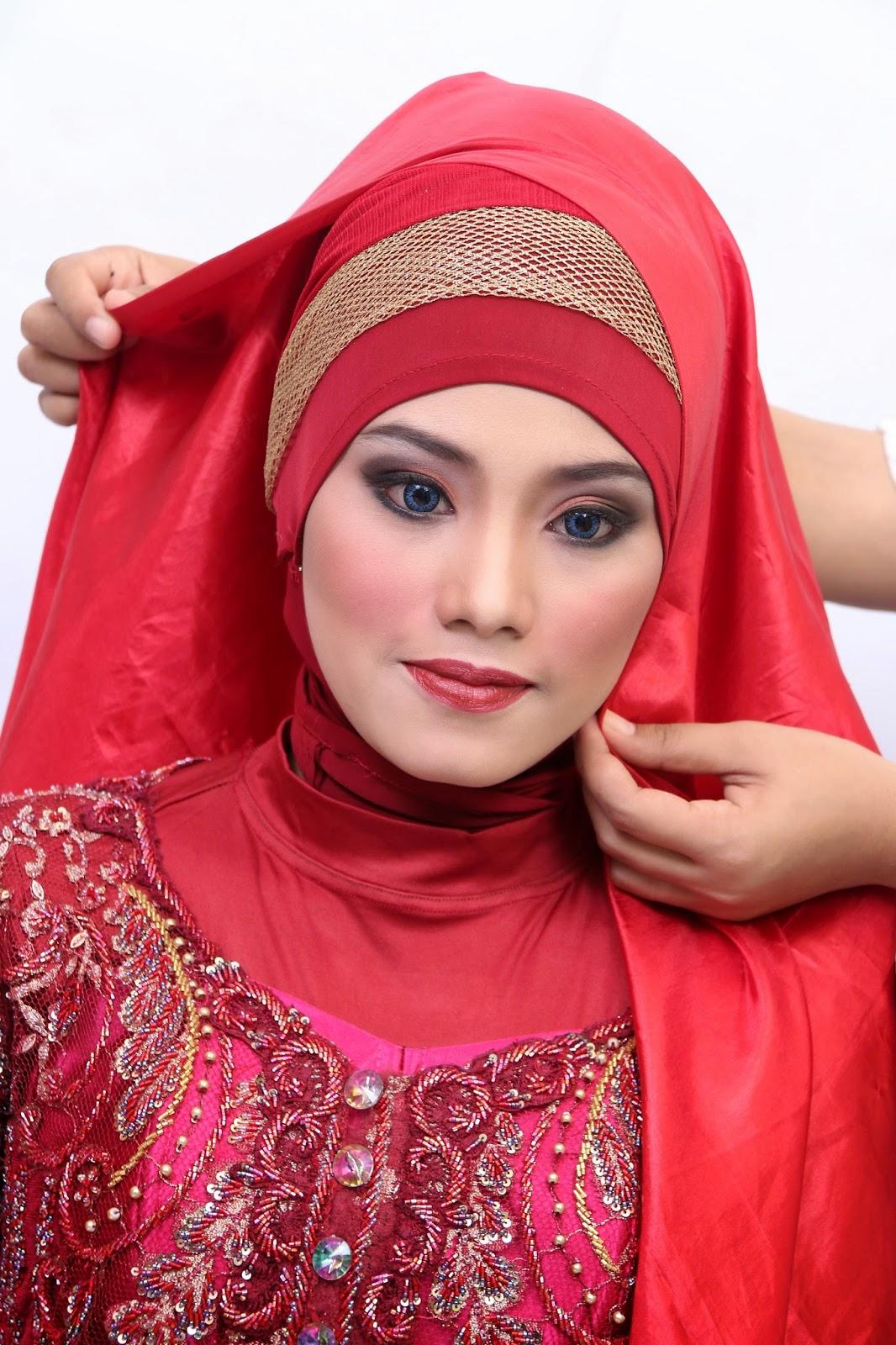 oleh natural hijab di May up jilbab 24, make  kreasi Diposkan Sunday, 2015