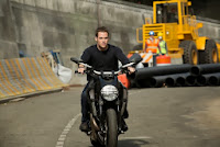 jack-ryan-shadow-recruit-chris-pine-bike