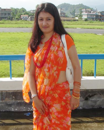 Nepali Blogspot Sites http://mallusurf.blogspot.com/2012/11/nepali-desi-aunty-hot-saree-stills.html