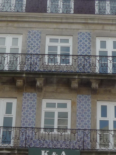 Arte livros e velharias fachadas de azulejos no porto - Azulejos para fachadas ...