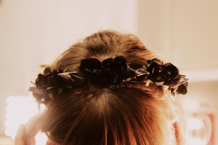 black roses hair