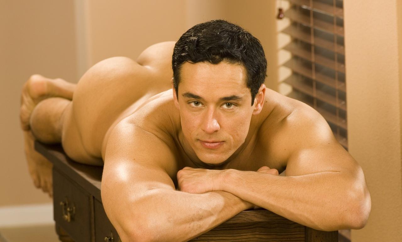 Must Love Men: Rafael Alencar
