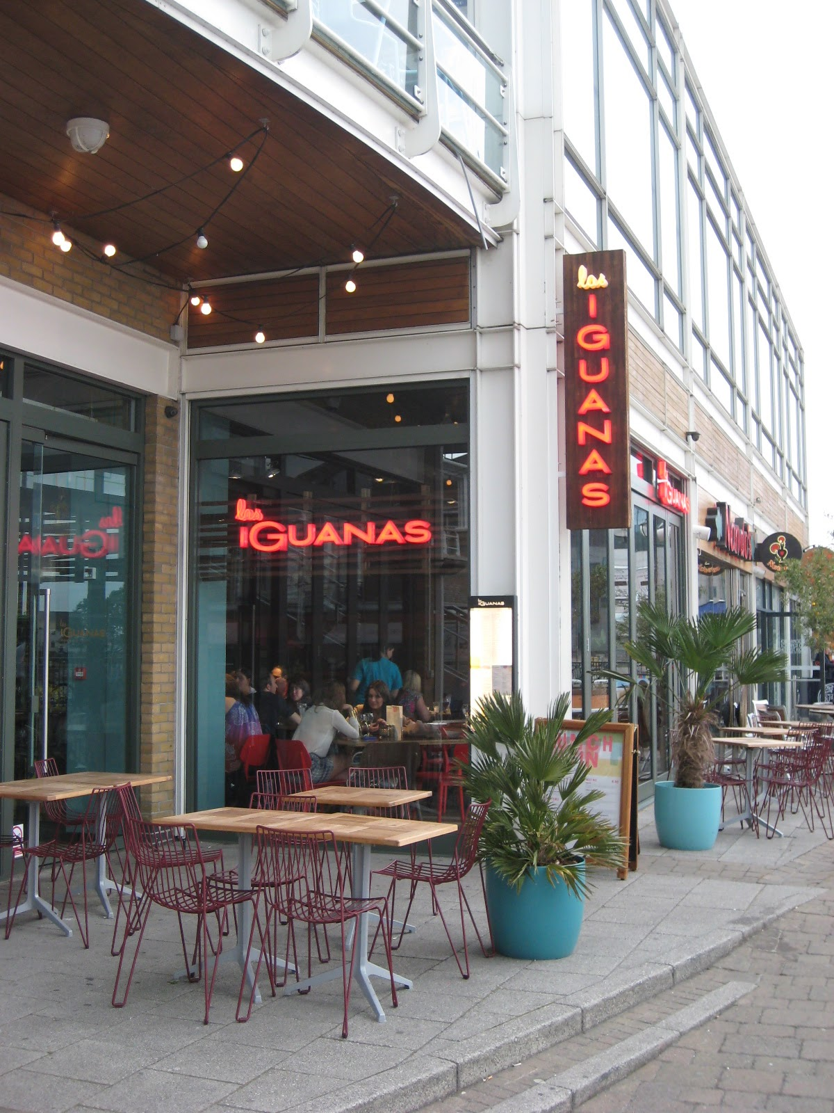 Gourmetgorro las iguanas mexican restaurant cardiff bay review - Iguanas mexican grill cantina ...