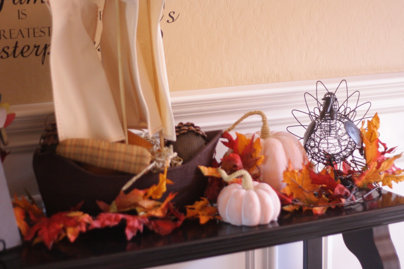 Decorating Ideas > Thanksgiving Decorations ~ The Red Balloon ~ 061918_Thanksgiving Balloon Decorations
