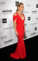 Kate Hudson wearing a Prabal Gurung Resort 2013 gown with a plunging V-neck line