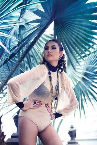 Miss Vietnamese Vo Hoang Yen