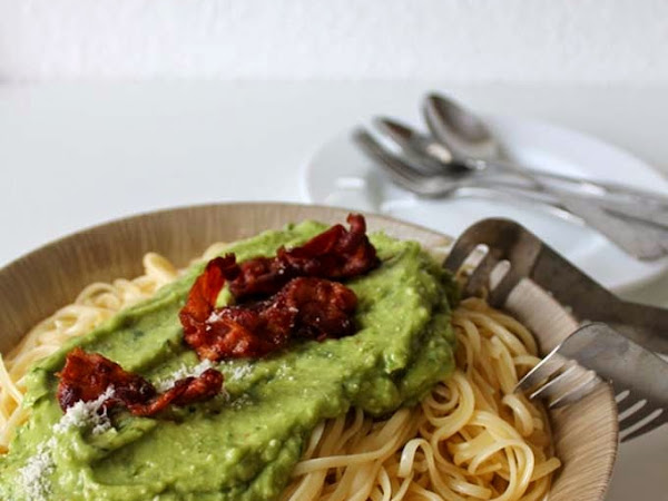 Pasta mit Avocadosauce aus der neuen Deli