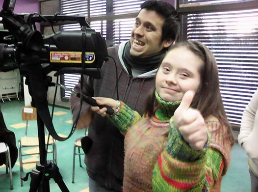 NIÑOS Y JOVENES EN CONDICION DE DISCAPACIDAD  PARTICIPAN  EN  TALLERES DE TV