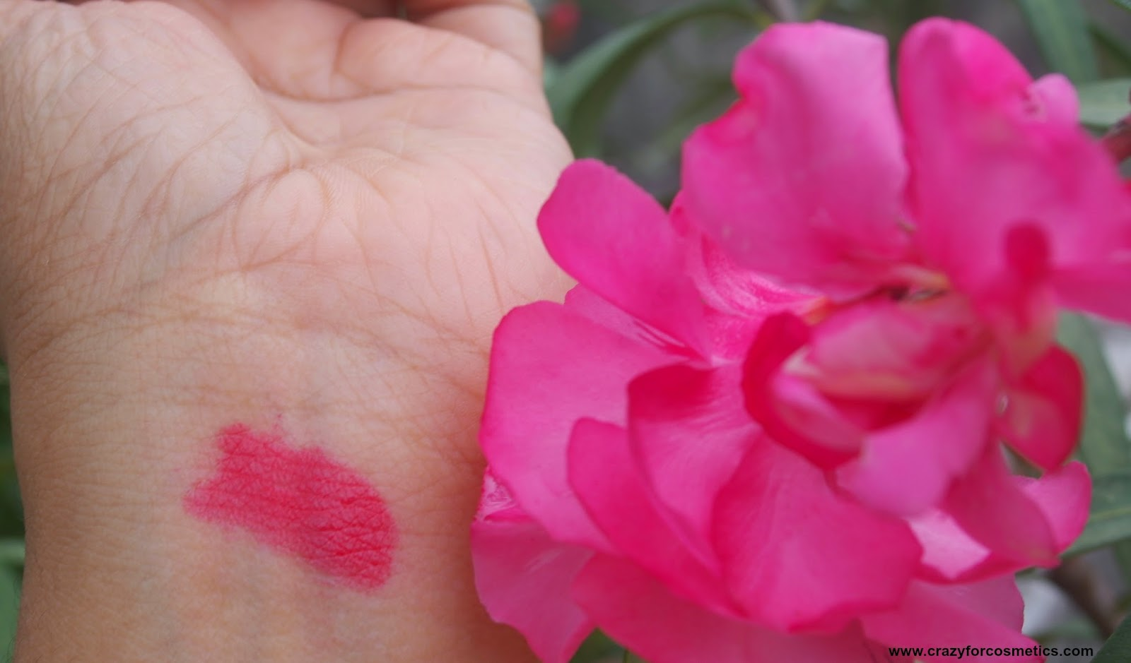Bourjois Paris Color Boost Lip Crayon in Red Sunrise Swatches